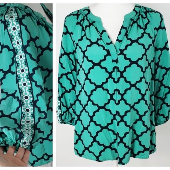 crown & ivy Tops - ❄ Crown & Ivy : Aqua Navy Mosaic Print Blouse